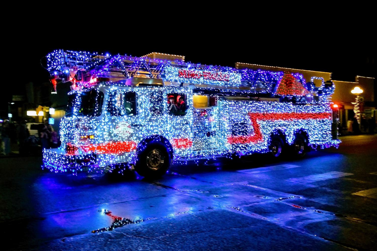 Sedro-Woolley's Fire Deptment once again wowed the crowds with their truck, which was completely covered in lights. Photo by Kaitlyn Loehr.