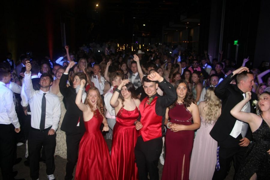 To the moon and Back: Prom 2019