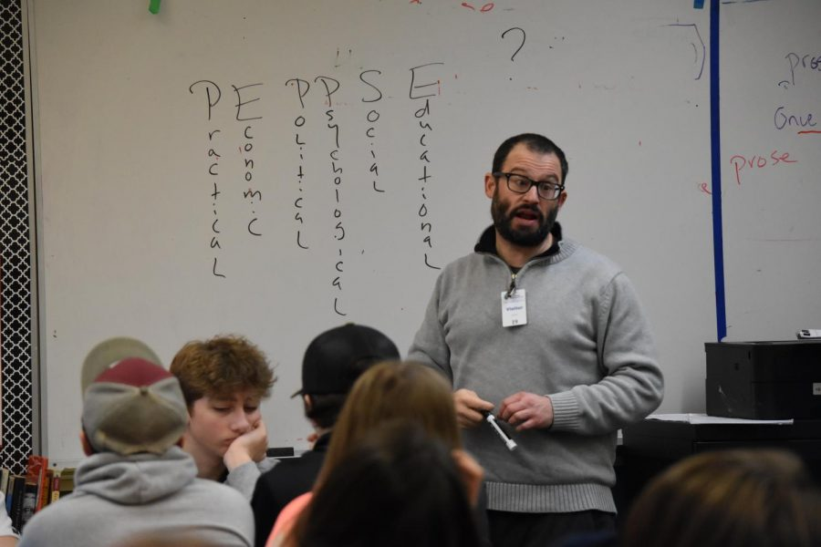 Poet+Jefferey+Morgan+visits+a+tenth+grade+classroom+to+share+the+art+of+poetry.+He+teaches+through+the+Skagit+River+Poetry+Foundation%E2%80%99s+Poets+in+the+Schools+program.